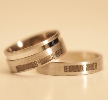 Vérgyűrű, amelyben szerelmed lelkét hordhatod